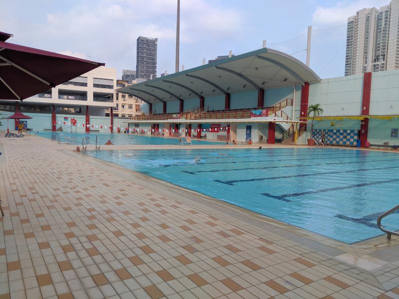Nuotare (quasi) gratis a Singapore al Jalan Besar Swimming Complex