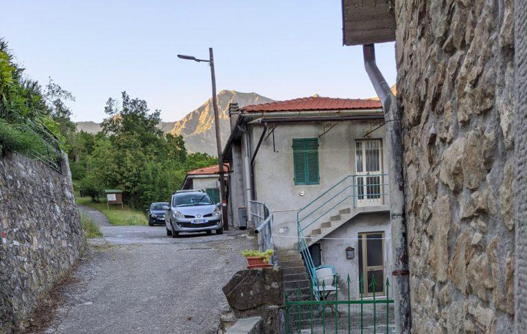 Sentiero cai 126 da Lusignana al monte marmagna